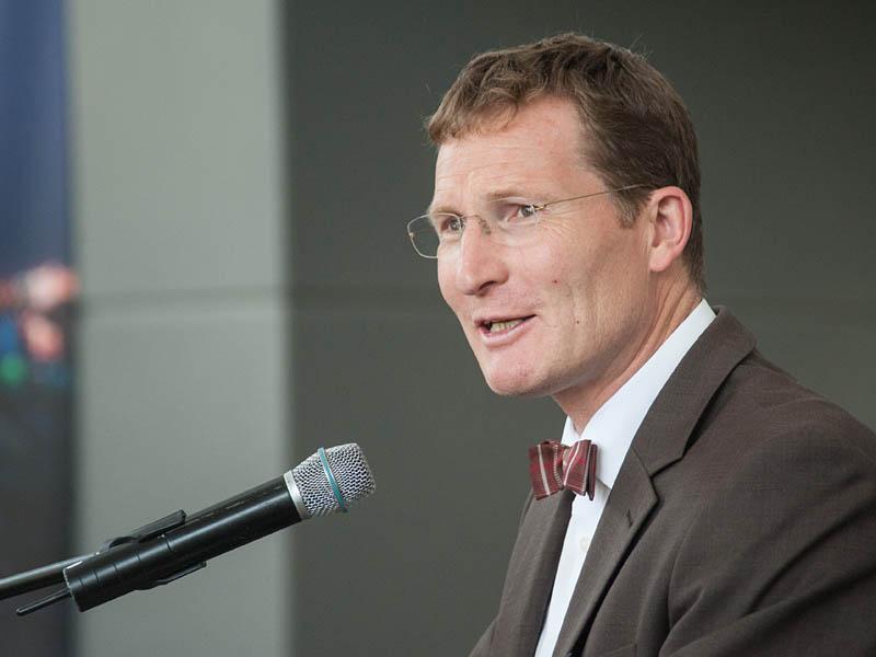 Michael F. Bayer, Hauptgeschäftsführer der IHK Aachen, bei seinem Kurzvortrag